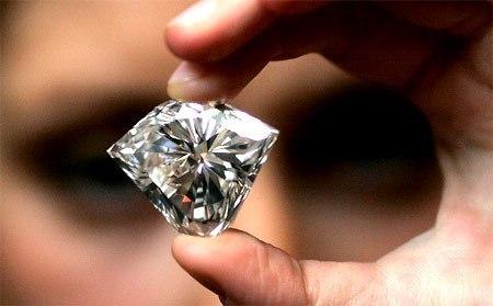 kq9gK46X6CM - Один очень богатый предприниматель купил огромный алмаз…