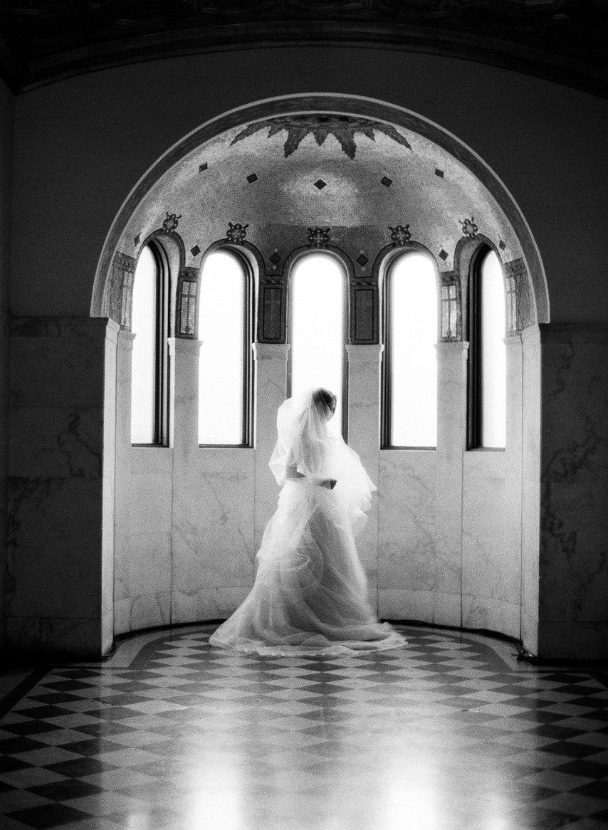 Q8uF68os4g8 - Лучший ведущий на нашу свадьбу (35 фото)