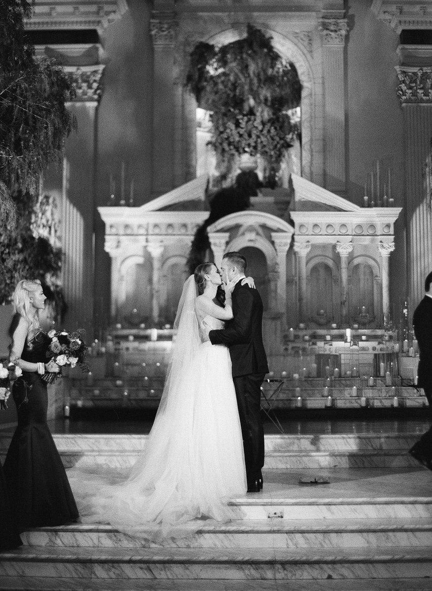 oMYJpWOfCLg - Лучший ведущий на нашу свадьбу (35 фото)