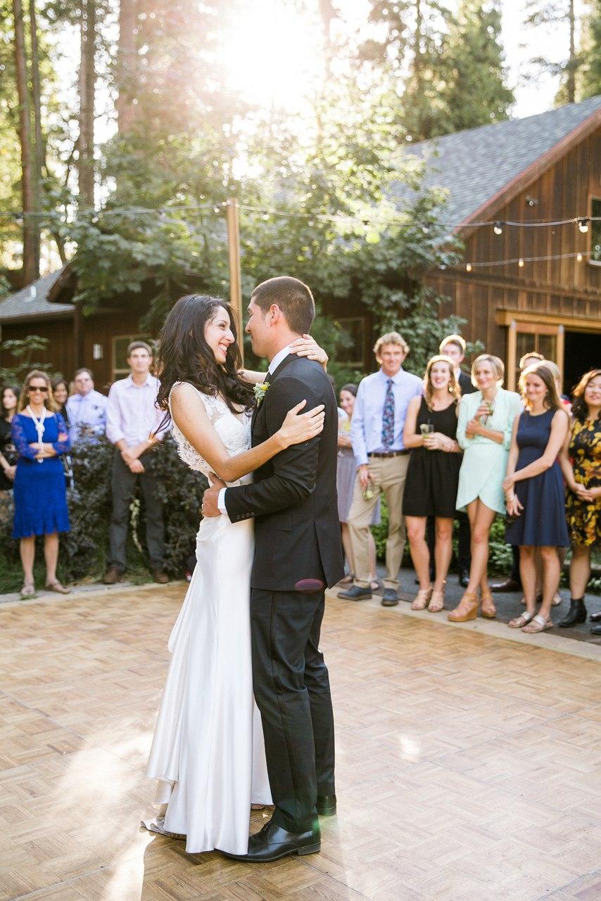 UENnzxkJRR8 - Веселая команда свадебного ведущего на свадьбе Яна и Роаны (32 фото)