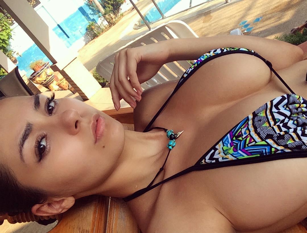Free nude pics of allison michalka