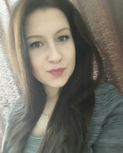 Аня Петрошенко
