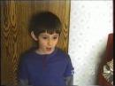 Мальчик рассказывает наизусть таблицу Менделеева