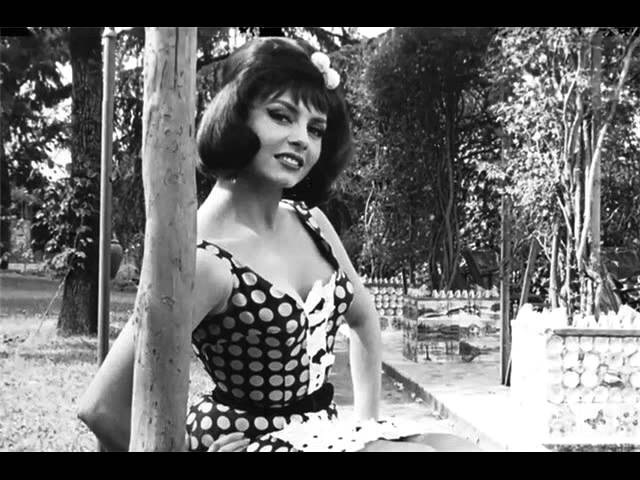 ВИА 70-х В белом платье с пояском