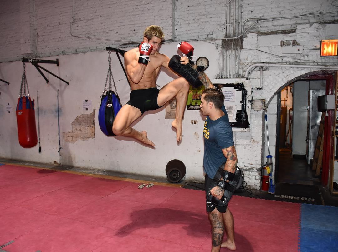 Сэйдж Норткатт готовится к своему поединку на UFC on Fox 22