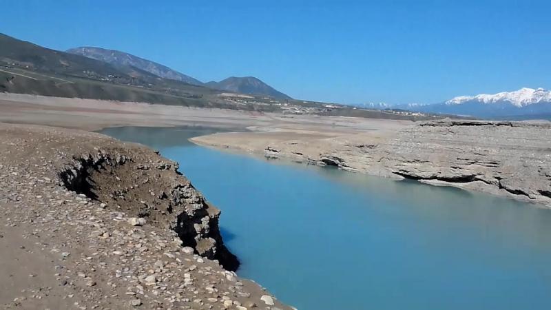 дно чарвакского водохранилища