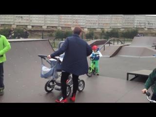 #яжемать в скейтпарке
