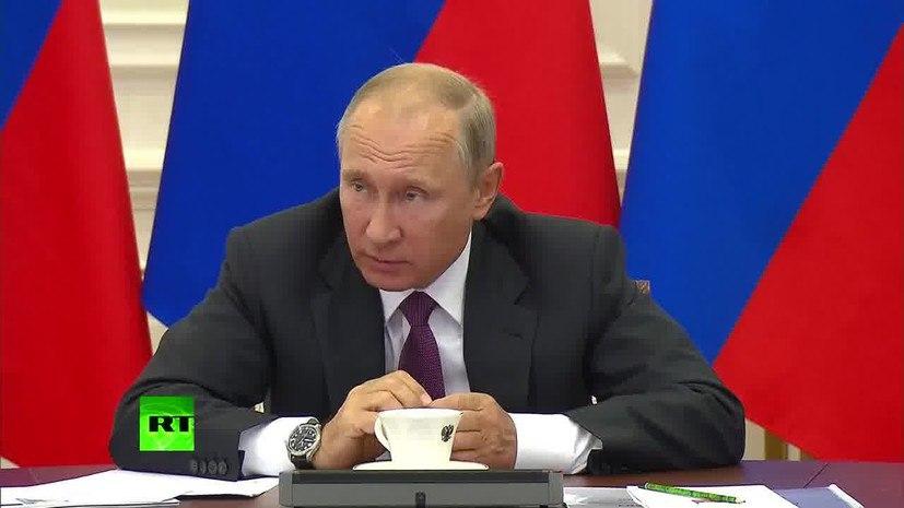 «Есть какие-то проблемы?»: Путин отчитал замминистра финансов