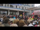 """Первое сентября в Горностае -- поём огромным хором """"Ничего на свете лучше нету"""" :)"""
