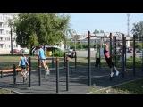 Гимнастки спортивной школы проводят тренировку на воркаут площадке от компании...