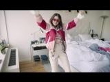 WATCH: Man Repeller x Topshop Presents Dancing Jeans Авто