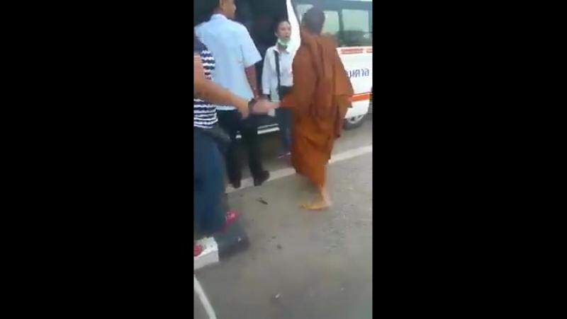 Монах и неотложка