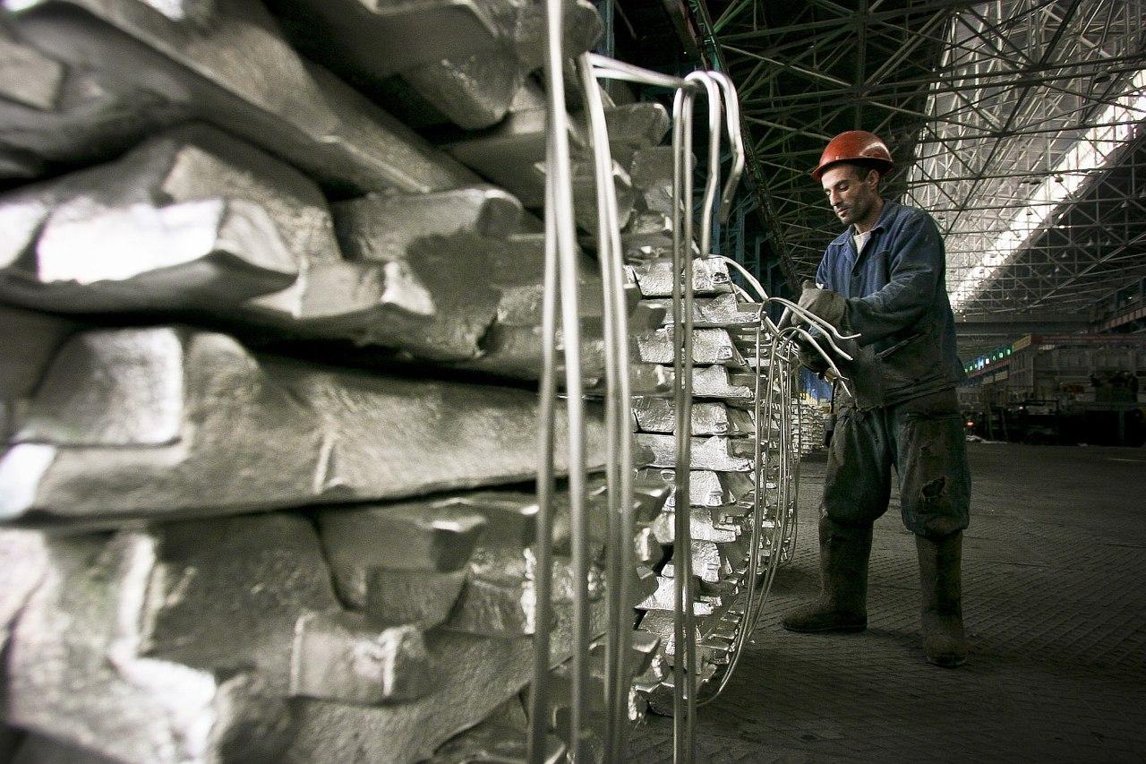 Увеличить выпуск алюминия Таджикистану мешают низкие цены и маленький спрос