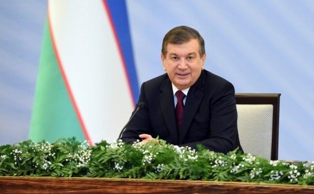 Президент Узбекистана наградил активистов таджикских культурных центров