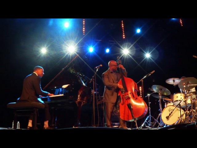 MCBRIDE Trio NJP 8 oct 2016