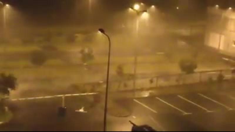 Ураган 5-ой категории Мария на острове Гваделупа. (18.09.2017)