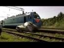 Поезд снес УАЗ Осторожно мат