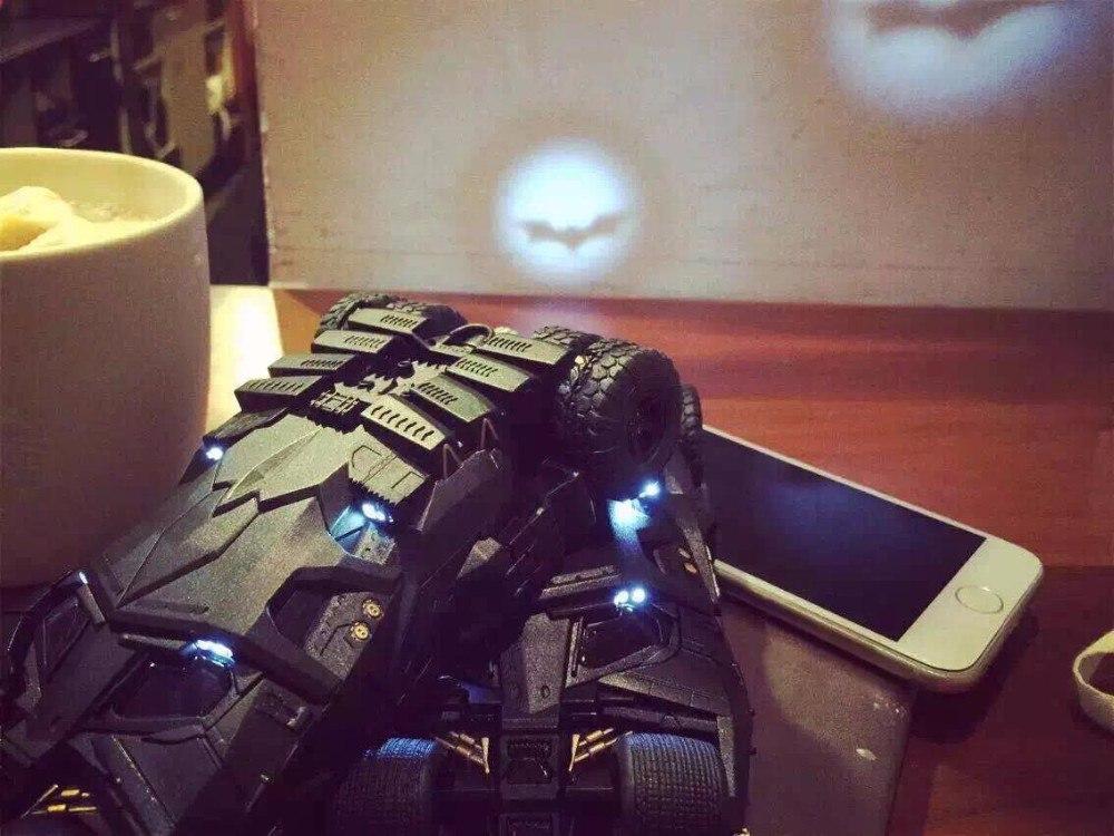 Чехол для iPhone в виде Бэтмобиля