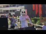 Skrillex &amp Marshmello em Palm Springs ( Owsla Pool Party).mp4