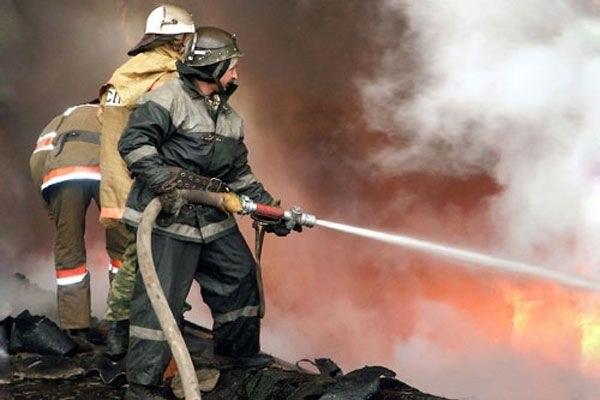 В Зеленчукской сгорели две хозяйственные постройки