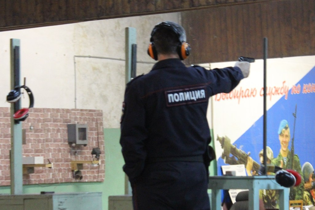 Полицейские из Зеленчукского района призеры соревнований по стрельбе из табельного оружия