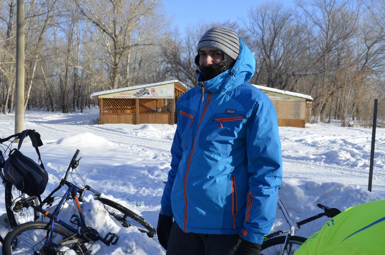 Первенство Федерации велоспорта города Орска по велокроссу, посвященное празднованию Нового года прошло 15 января в парке Строителей.