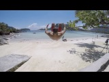 Участник «Острова любви» Иван Барзиков делает сальто на берегу океана