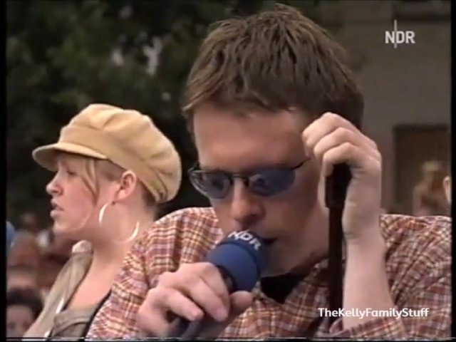The Kelly Family - What´s a matter you people Love Music ´n´ sun (Aktuelle Schaubude 15.07.2002)
