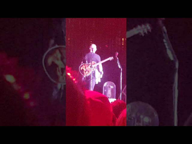 James Hetfield of Metallica gets pissed, and kicks over guitar! (St.Louis 2017)