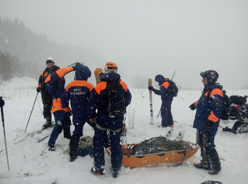 В Зеленчукском районе проходит спасательная операция
