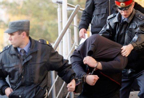 В Зеленчукском районе полицейские задержали местного жителя находившегося в розыске