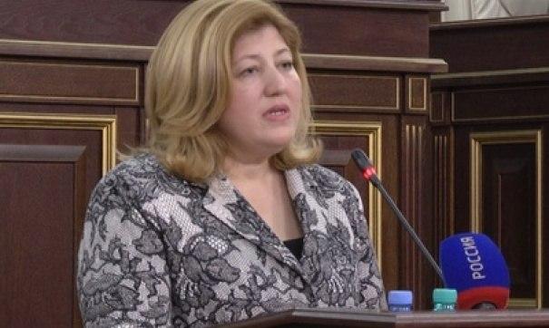Детский омбудсмен из КЧР выступила за принятие закона о многодетных матерях