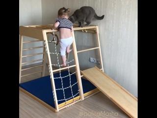 Ступенька за ступенькой ваш малыш осваивает этот мир!