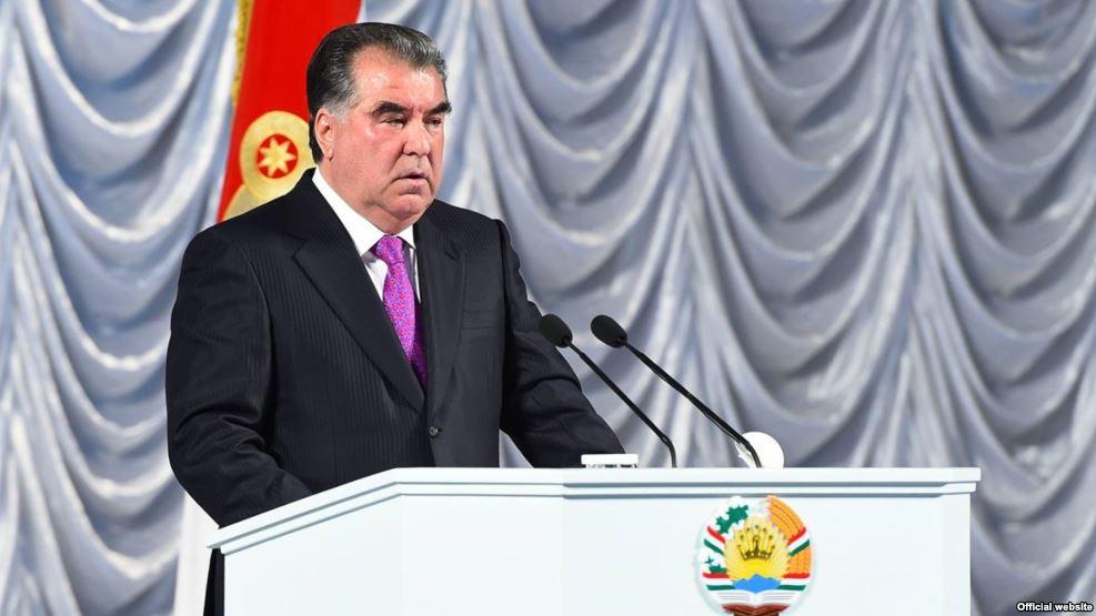 Э. Рахмон: Таджикистан всегда будет осуществлять миролюбивую политику