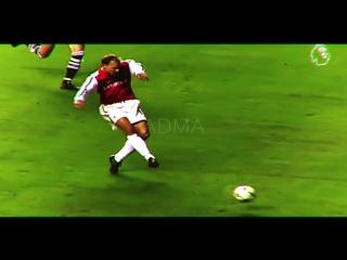 Dennis Bergkamp | ADMA | vk.com/footreviews
