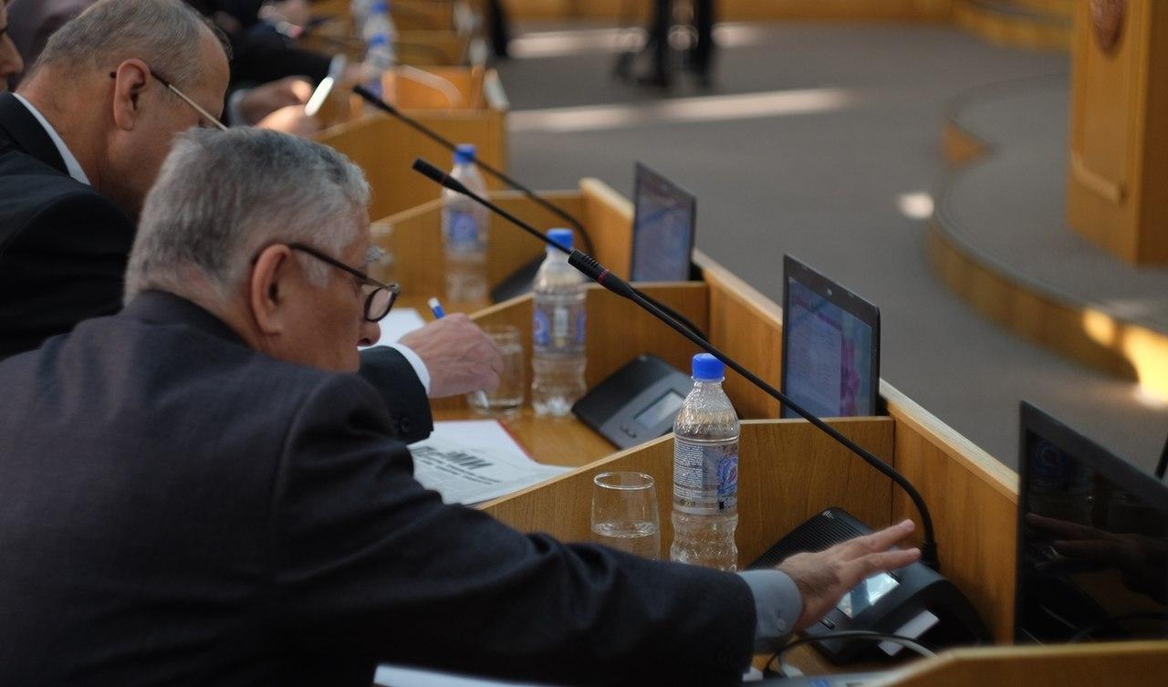 Таджикским чиновникам запретили иметь российское гражданство