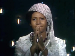 Aretha Franklin - I Say A Little Prayer׃ her very best performance!