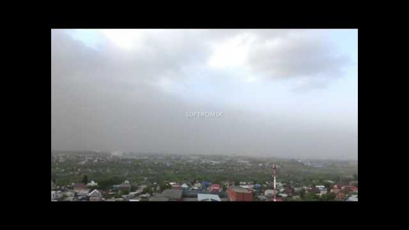 Шторм накрыл Омск песчаной бурей - видео