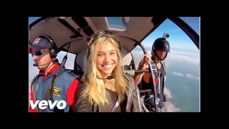 The Chainsmokers Coldplay - Something Just Like This (Official Video HD) Legenda em português