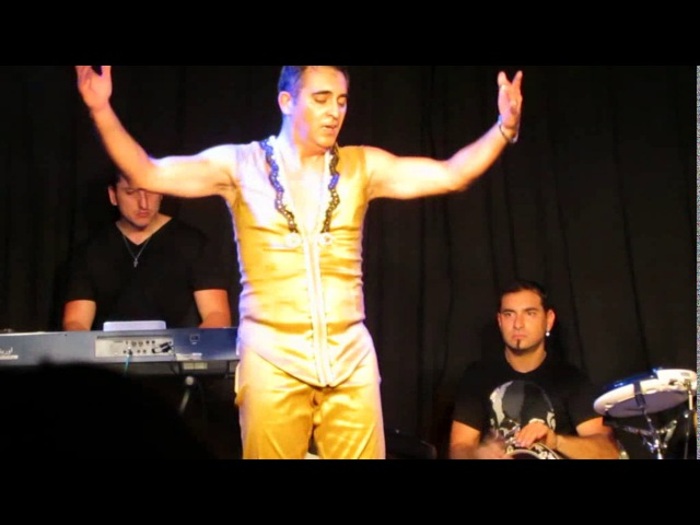 Amir Thaleb junto a Percussion Dance