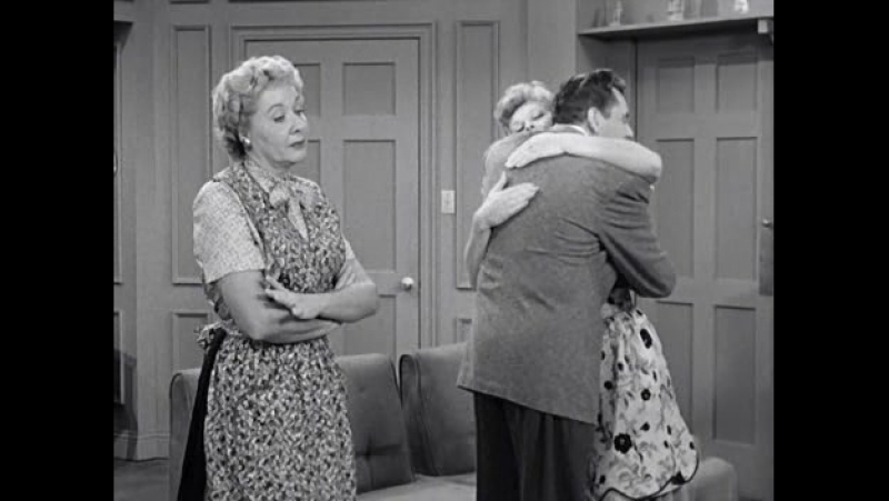 I love lucy s3ep03 - Lucy and Ethel buy the same dress