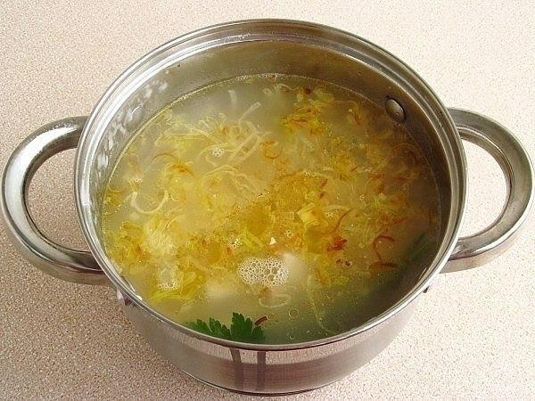 Английский куриный суп с плавленым сыром Куриный
