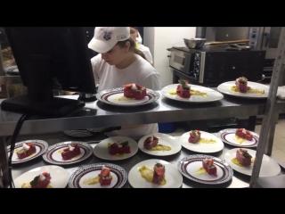 Готовим десерты на гастрономическом ужине 2.06.17
