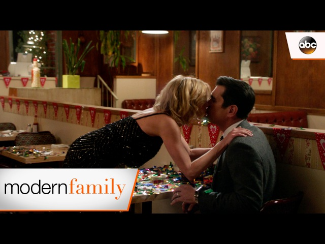 Claire's Magical Date for Phil - Modern Family 8x12