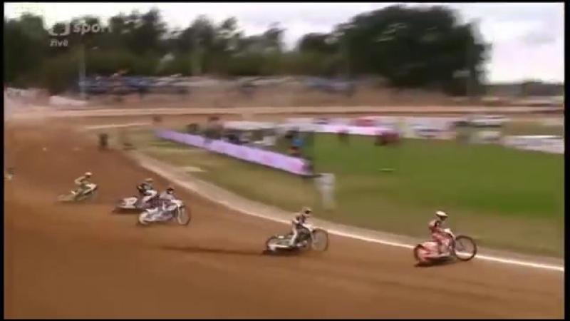 Crash Nicki Pedersen Final Zlata Prilba 18.09.2016360px