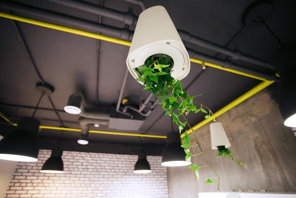 Брутальная реновация: офис-лофт по всем правилам