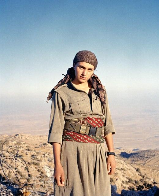 Женщина в военной форме сзади фото 609-22