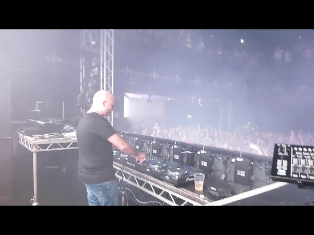 Aly Fila plays the new Darren Porter track at DSX 02.06.2017