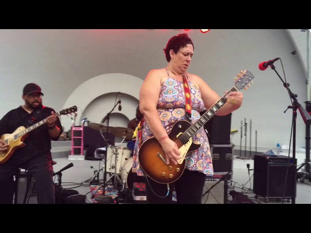 Joanna Connor Queen of Blues Rock Guitar