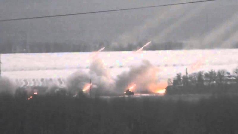 Донецк работают ГРАДы ДНР Donetsk firing pro Russians rebels Grad